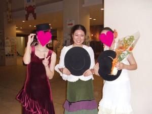 Hommie(写真中央)と仲間たち
